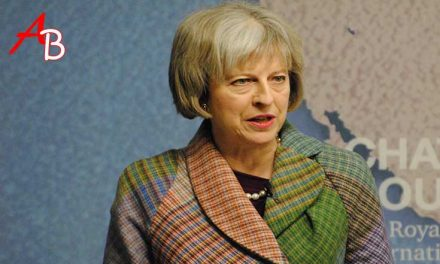 La mossa a sorpresa di Theresa May